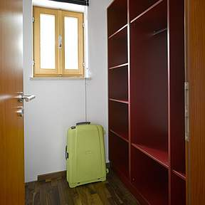 Walk-in wardrobes in 3 bedrooms
