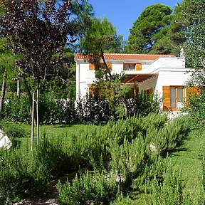 Quiet and idyllic location admidst a beautiful Mediterranean garden