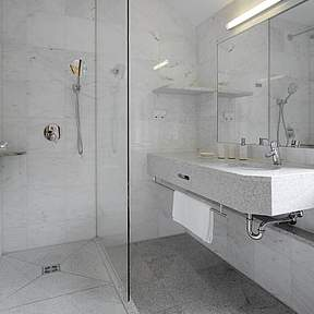 2 elegant bathrooms on the 2nd floor